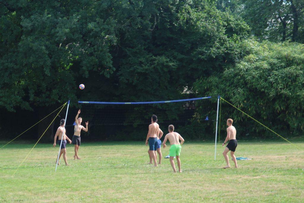 Volley-sur-herbe